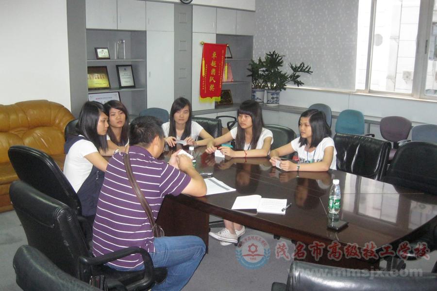 我校与深圳市金融联客户服务中心股份有限公司建立校企合作关系