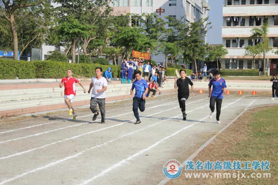 男子100米比赛